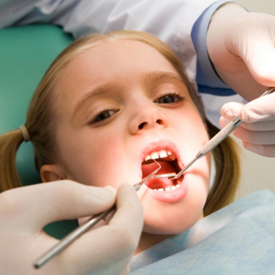 С щелочкой между зубов фото рыжая девушка 22 фотография