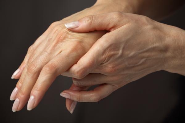 Онемение пальцев рук — причины и профилактика