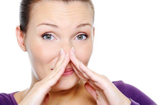 резкий неприятный запах изо рта