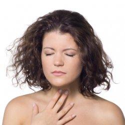 Ощущения при комке в горле во время глотания