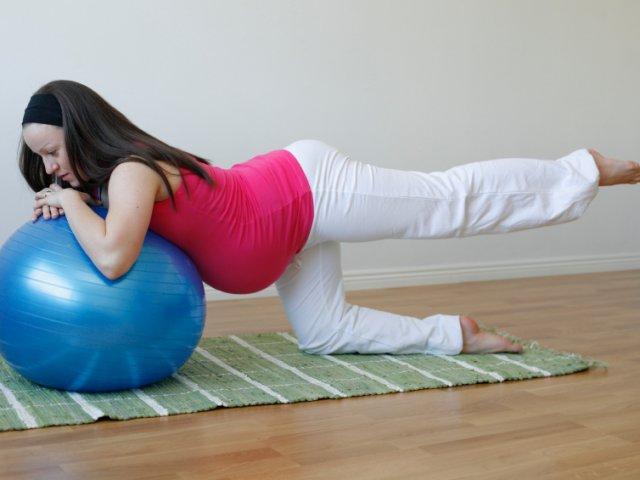 Упражнения для разгрузки спины беременных
