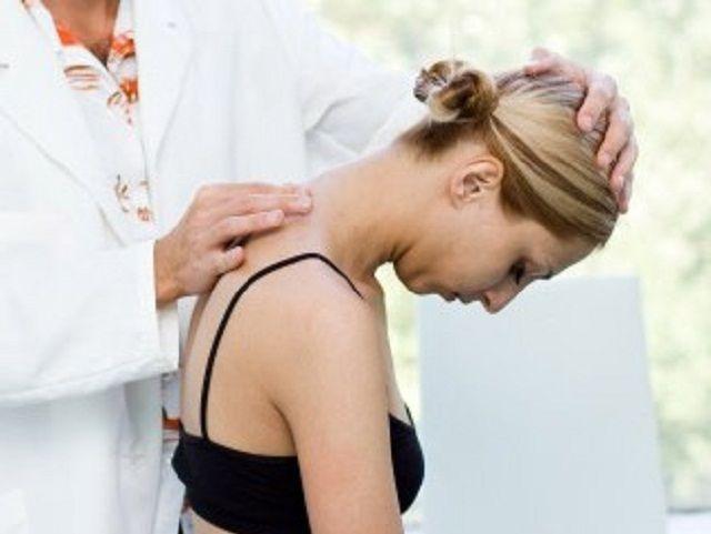 Из-за плоскостопия болит спина